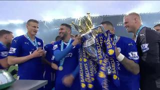 211117_DannySimpson_TrophyLift