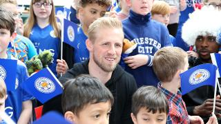 Kasper With Young Leicester Fans