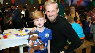 Kasper With Young Fan