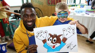 Ndidi With Young Leicester Fan