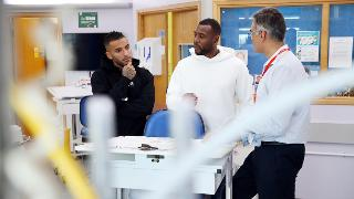 Video: Wes Morgan & Danny Simpson at Leicester Royal Infirmary