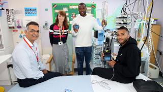 Wes Morgan & Danny Simpson at Leicester Royal Infirmary